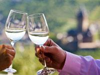 In der Weinregion um Mosel, Saar und Ruwer findet sich für jeden Weinliebhaber die richtige Rebsorte.