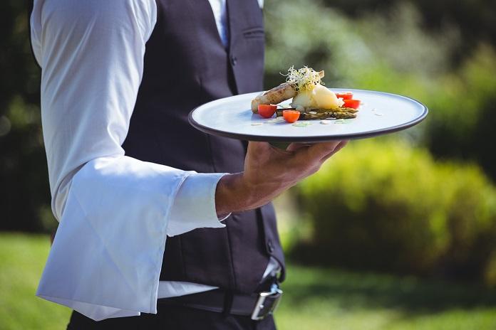 """Offen bleibt, nach welchen Kriterien restaurant-ranglisten.de die Punkte für die verschiedenen Restaurant-Bewerter vergibt. Alle Michelin-Sterne sind zum Beispiel mehr Punkte wert, als volle 10/10 bei Gusto """"pans"""" und die sind wiederum wertvoller als fünf Sterne eines Foursquare- oder Yelp-Nutzers."""