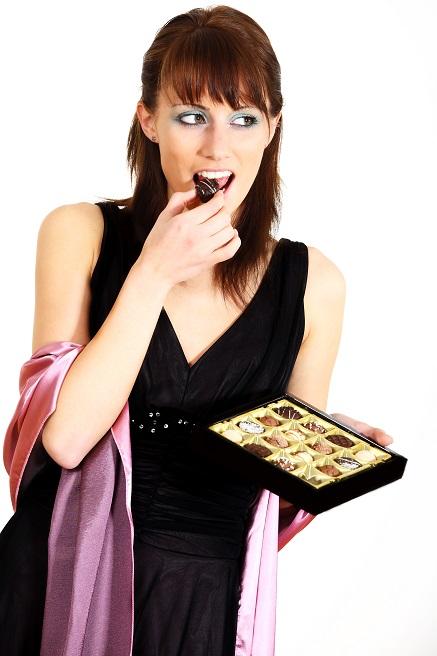 Heisshunger: Schlimm, wenn man eine Schachtel Pralinen, eine Tüte Chips oder sonstige Leckereien im Haus hat.