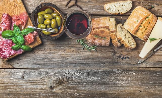 Verschiedene Antipasti zeigen die Kreativität der italienischen Küche. (#01)