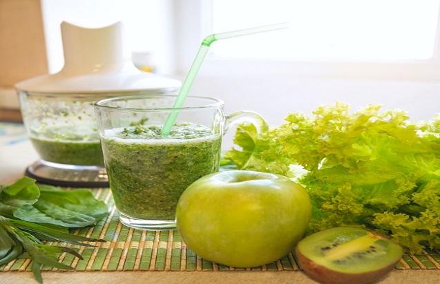 Warum empfehlen wir Ihnen also einen hochwertigen und auch teureren Mixer? Die Pflanzenfasern bei grünen Smoothies müssen fein aufgespalten werden. (#03)