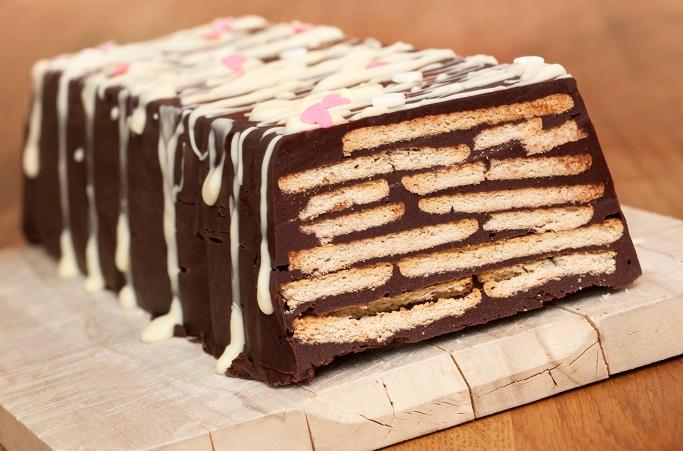 Einfache Desserts wie der Kalte Hund sind vor allem bei Kindern beliebt, denn Schokolade und Kekse in Kombination – das kann nur gut sein! (#18)