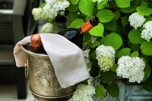 Der Moët & Chandon Impérial Champagner ist das Aushängeschild des Champagnerhauses Moët & Chandon. Seine leichte Fruchtigkeit und sein verführerisches Aroma machen ihn zu etwas Einzigartigem. (#03)