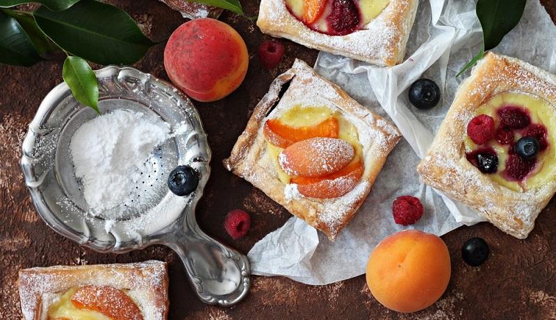 Diese Last-Minute-Kekse sind sowohl auf jeder Sommerparty mit Aprikosen, als auch auf Feiern an Weihnachten mit Kirschen oder Mandarinen ein Hingucker!(#05)