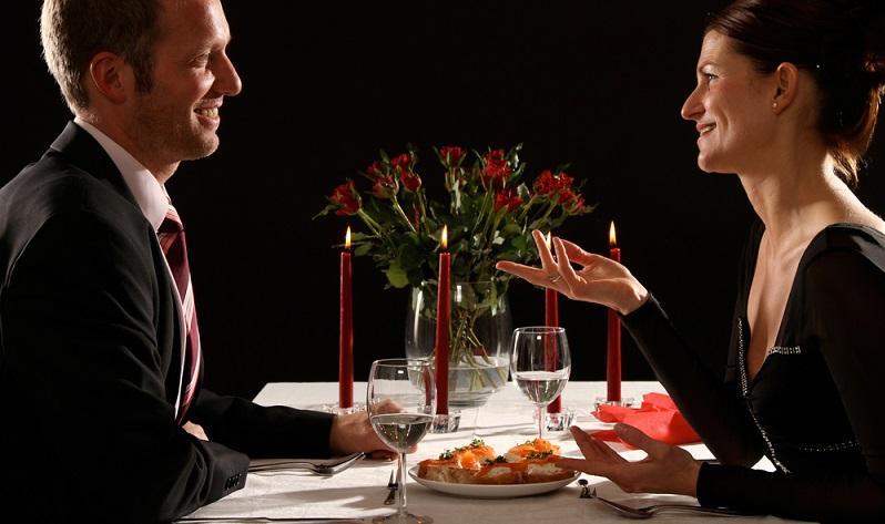 Die schönste Hochzeitsüberraschung ist ein originelles, unvermutetes Geschenk. Dabei kann es sich um etwas handeln, dass sich die beiden frisch Vermählten schon länger gewünscht haben, oder um ein außergewöhnliches Novum. (#01)