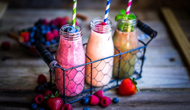 Obst enthält sehr viel Fruchtzucker, das kann den Körper belasten und den Insulinspiegel in die Höhe treiben. (#02)