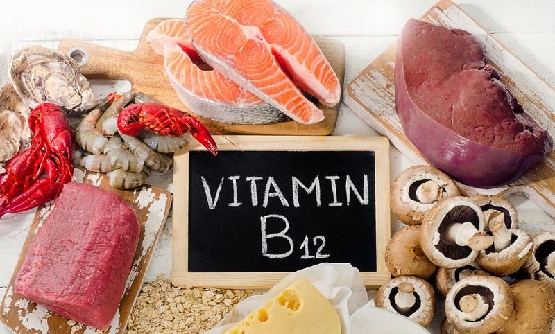 Ein Mangel an Vitamin B12 macht sich in Antriebslosigkeit, depressiven Verstimmungen und allgemeinem Schwächegefühl bemerkbar und kann im schlimmsten Fall zu dauerhaften Schäden am Nervensystem führen. (#02)