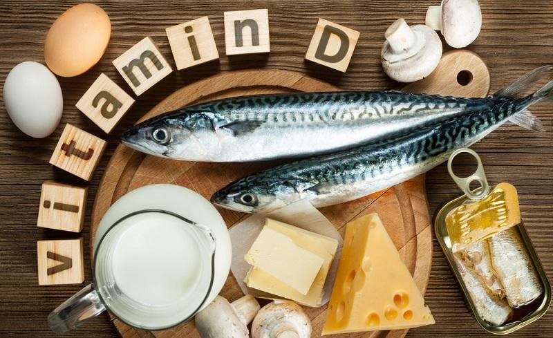 Sehr viele Menschen sind von einem Vitamin-D-Mangel betroffen. Da nur ein Prozent aller Menschen rein vegan leben, kann die Ursache nicht in dieser Art der Ernährung liegen. (#05)