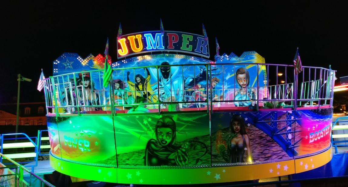 """Der """"Jumper"""" hat die Griffstangen hinter den Sitzen aus gutem Grund angebracht."""