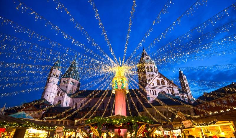 Der Trend zu hochwertigen Weinen erreicht selbst den Mainzer Weihnachtsmarkt. (#1)