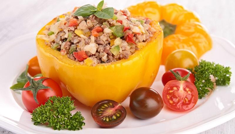 Das herzhafte Gericht schmeckt sehr gut mit Reis oder Salzkartoffeln.