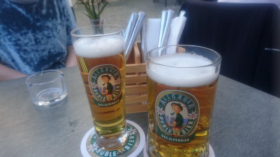 Ausnahmsweise darf es heute mal kein Wein sein, sondern Büble Helles vom Fass im Bergschön Mainz