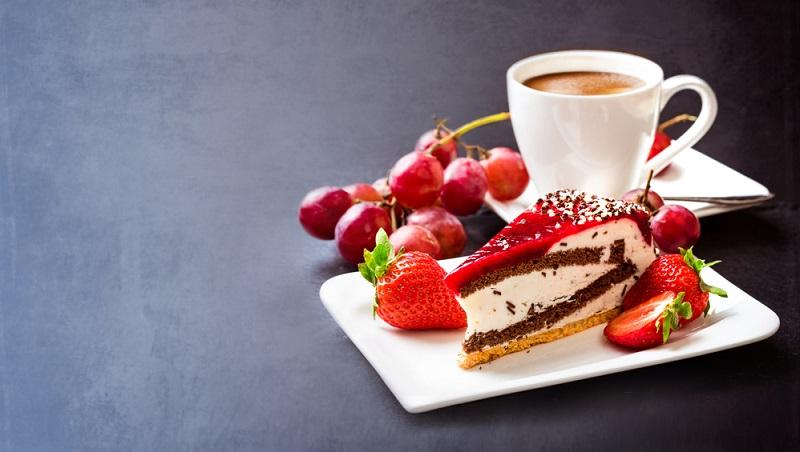 Kaffee und Kuchen fuer eine gemeinsame Zeit
