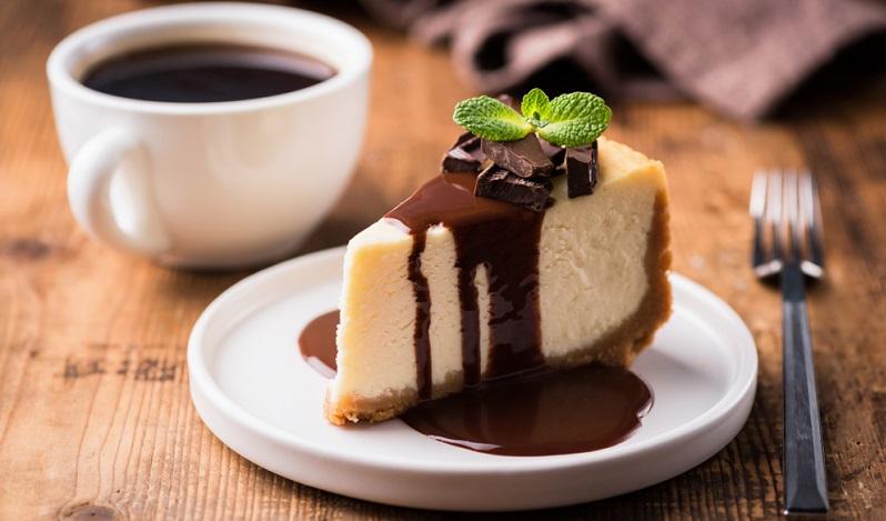 In vielen Haushalten ist der Brauch von Kaffee und Kuchen immer noch erhalten und wird wirklich ernsthaft zelebriert.