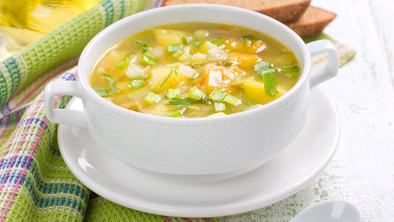 Dieses Rezept ist sehr variabel, denn man kann es in der kalten Jahreszeit traditionell heiß, aber im Sommer auch kalt genießen