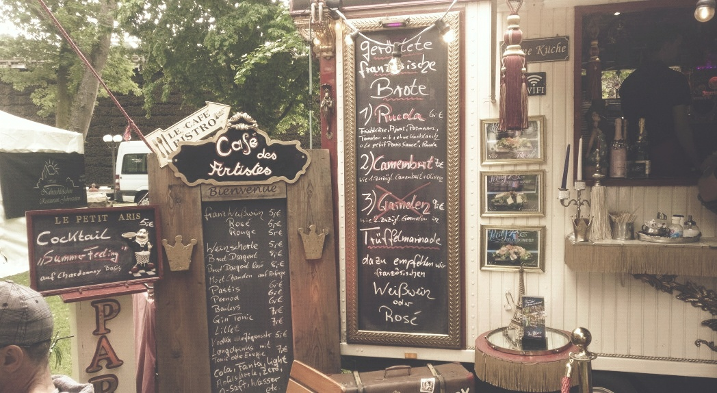 """""""Le Petit Paris""""... Der Name ist Programm, wie man dem Foto entnehmen kann."""
