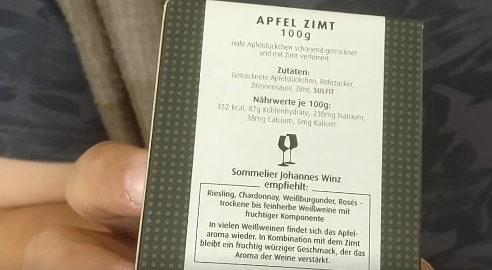 """Welcher Wein passt am Besten zu """"Zimt""""?  Johannes Winz gibt die Antwort auf der Rückseite der Packung gleich dazu."""