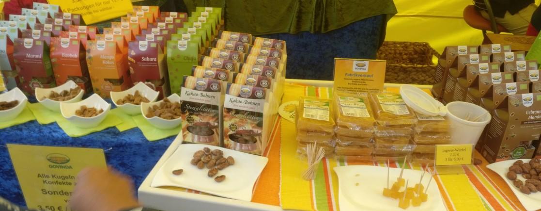 Kakao-Bohnen... Mango... Baobab...  Man darf ja probieren!