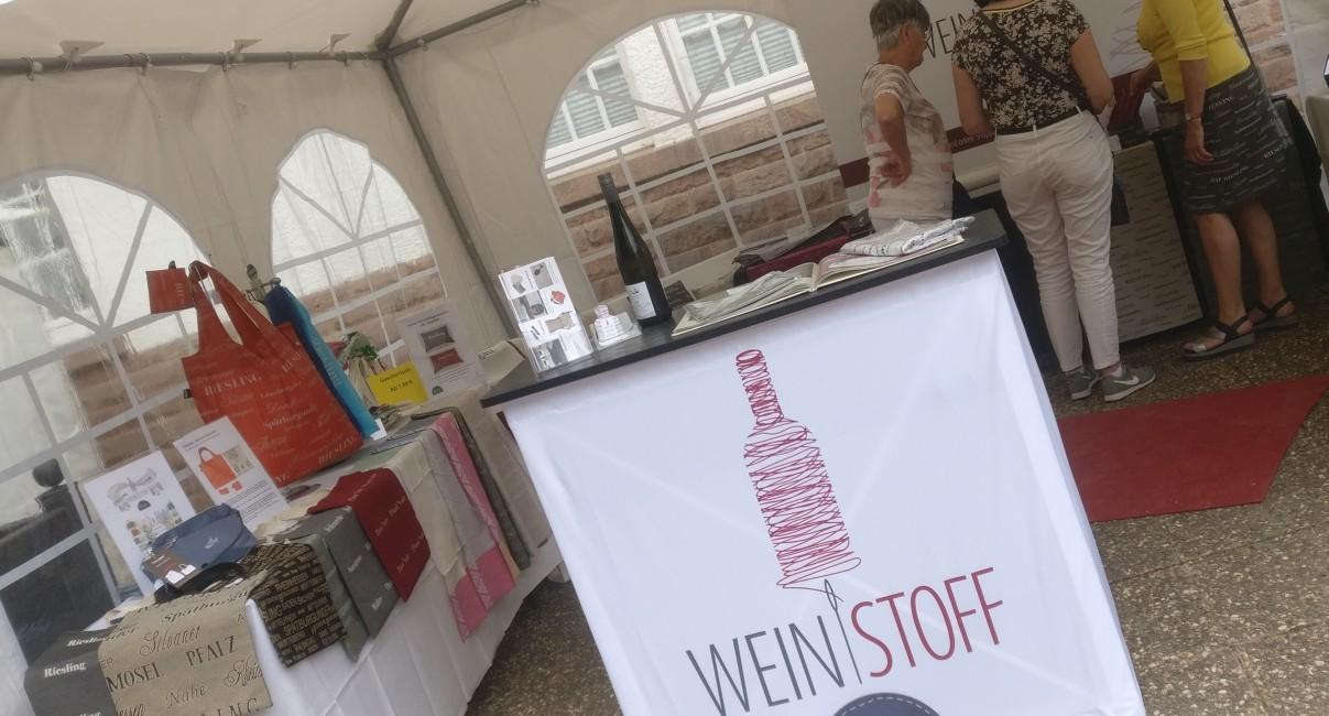 """""""Weinstoff"""" auf dem """"Lebenslust"""" Gourmet- und Kunstfestival im Kurpark in Bad Münster am Stein"""