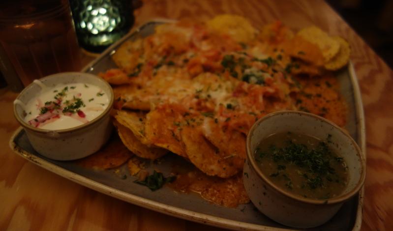 Richtig lecker im El Burro: Nachos con queso